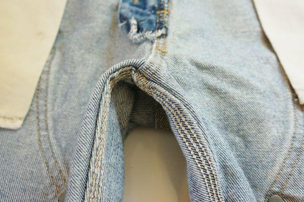 Вот как правильно чистить джинсы!