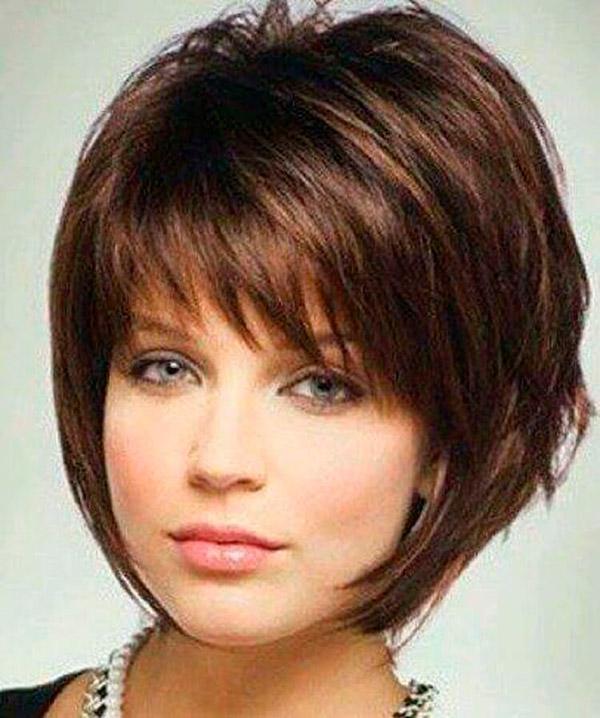 Модные прически на короткие волосы и волосы средней длины | 11