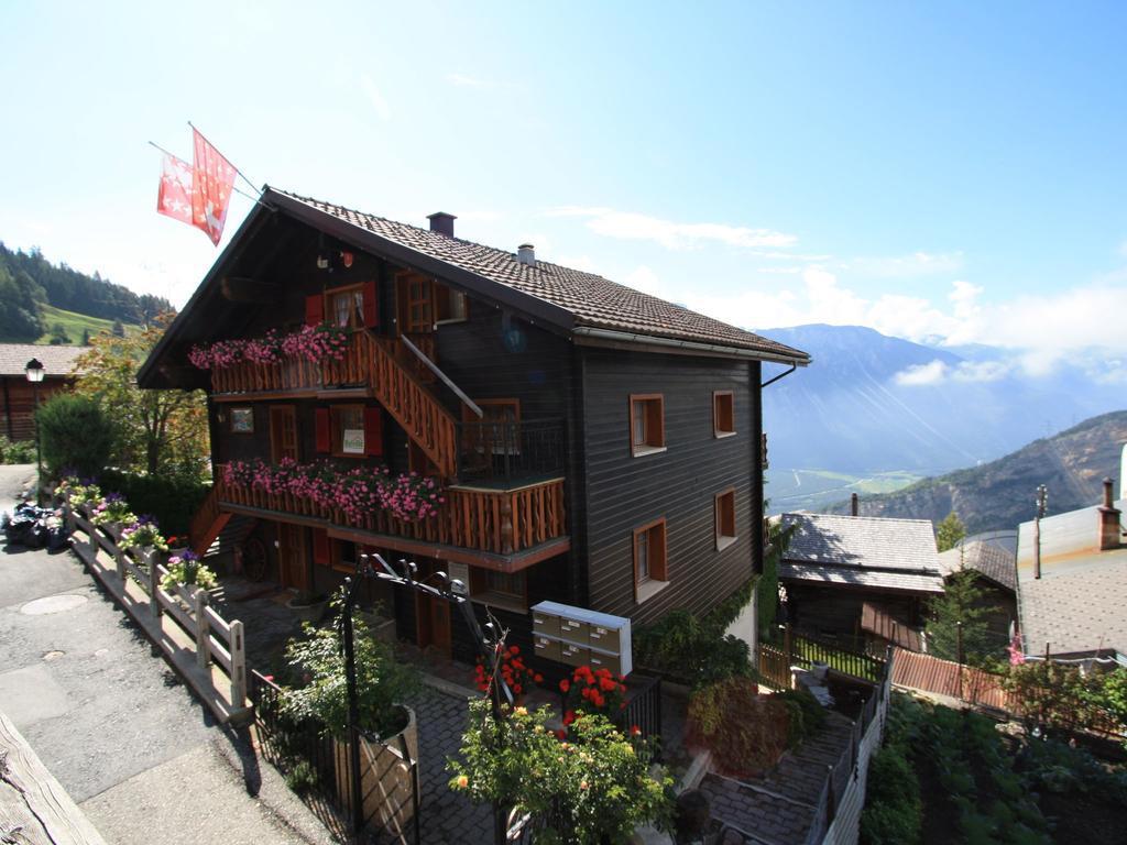 Щвейцарская деревня приглашает на постоянное место жительства желающих и платит за это... $70 000! | 10