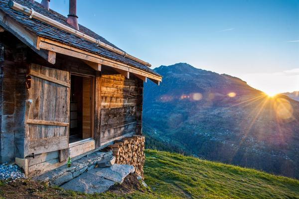 Щвейцарская деревня приглашает на постоянное место жительства желающих и платит за это... $70 000! | 12