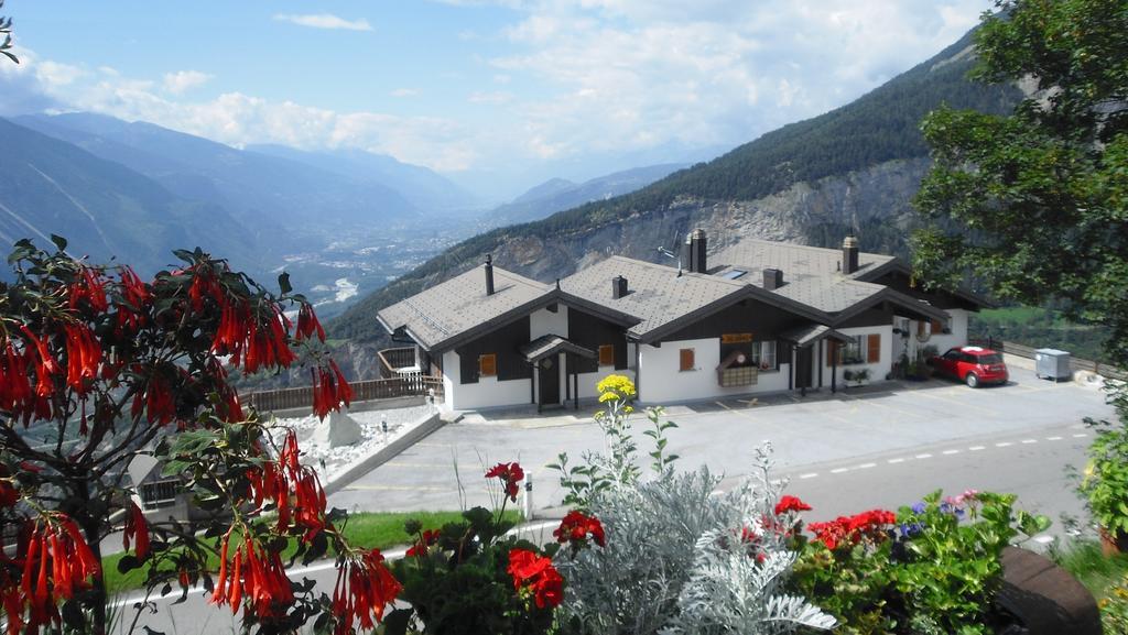 Щвейцарская деревня приглашает на постоянное место жительства желающих и платит за это... $70 000! | 16