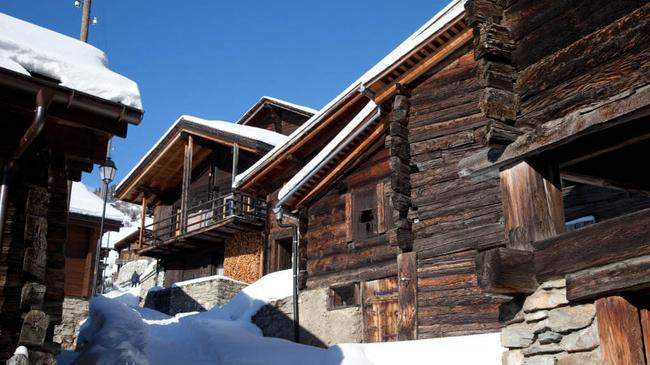 Щвейцарская деревня приглашает на постоянное место жительства желающих и платит за это... $70 000! | 3