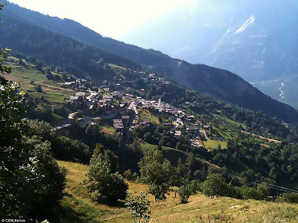 Щвейцарская деревня приглашает на постоянное место жительства желающих и платит за это... $70 000! | 5