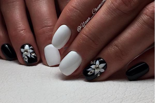 Черно-белый маникюр на короткие ногти | 10