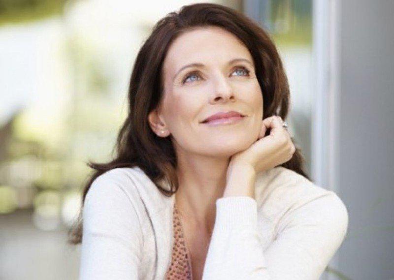 Модные стрижки и прически для женщин 40, 50 и более лет   31