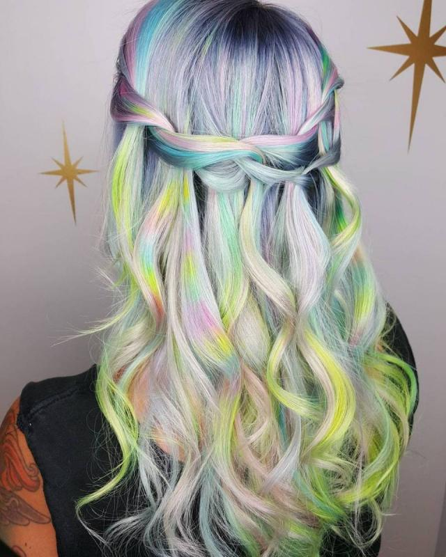 Самые модные тенденции окрашивания волос в 2018 году | 35