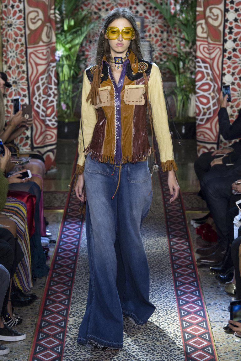 Модные женские джинсы сезона 2018 | 24