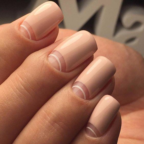 Модные тенденции маникюра для коротких ногтей | 31