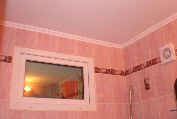 Зачем в «хрущёвках» окно между ванной и кухней?