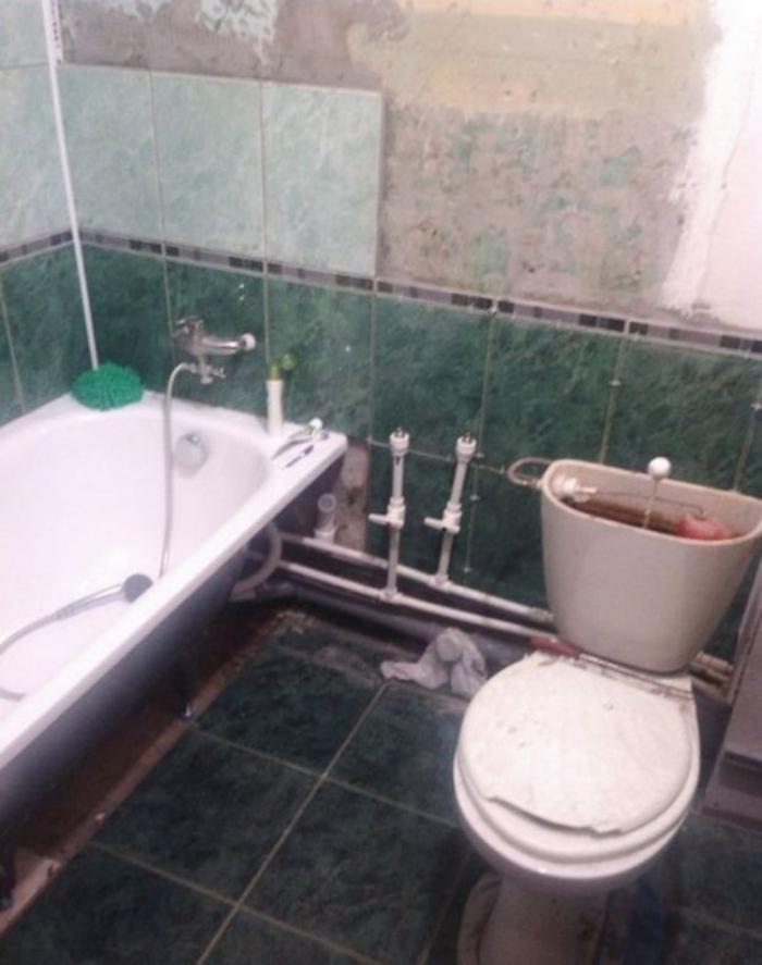 Сын отремонтировал матери ванную комнату... Любо-дорого!