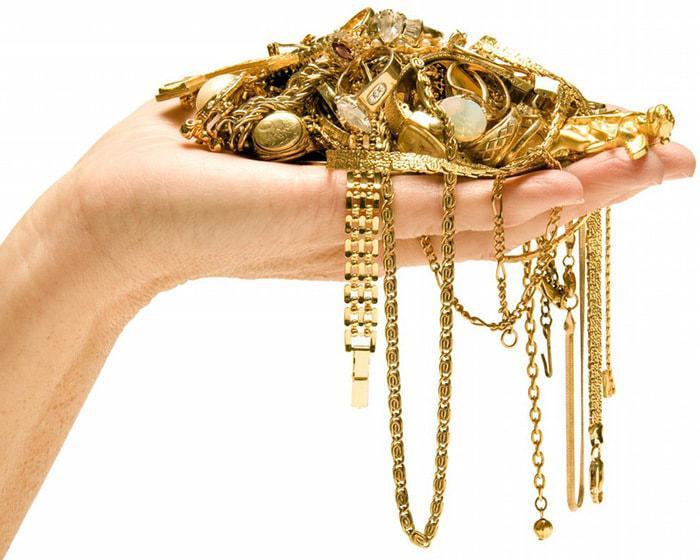 А вы знали, что золото могут носить не все. А вам можно?