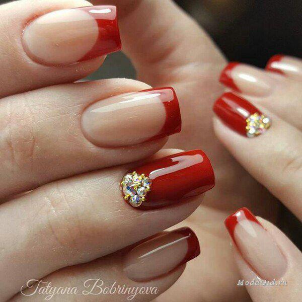 Стильный и яркий: маникюр в красных оттенках