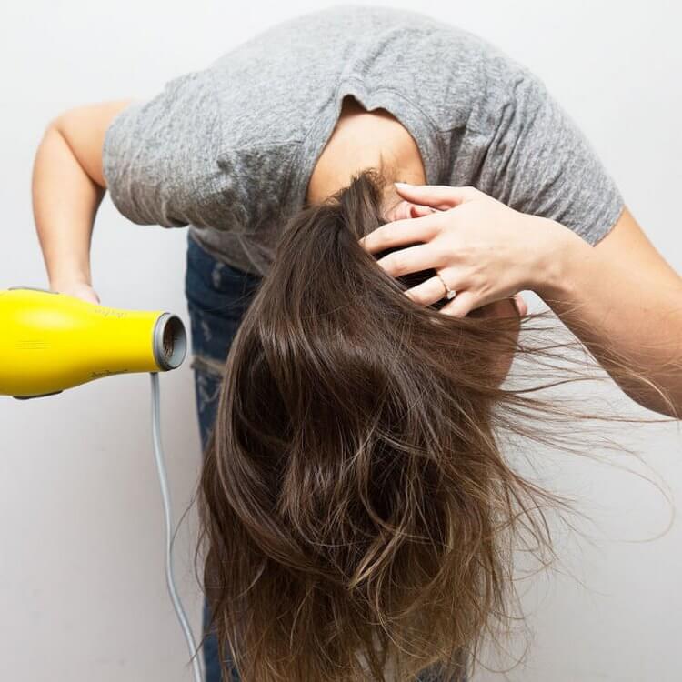 17 хитростей, которые помогут сделать ваши волосы гуще | 2