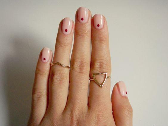 Маникюр для отрастающих ногтей: варианты, которые подойдут всем!
