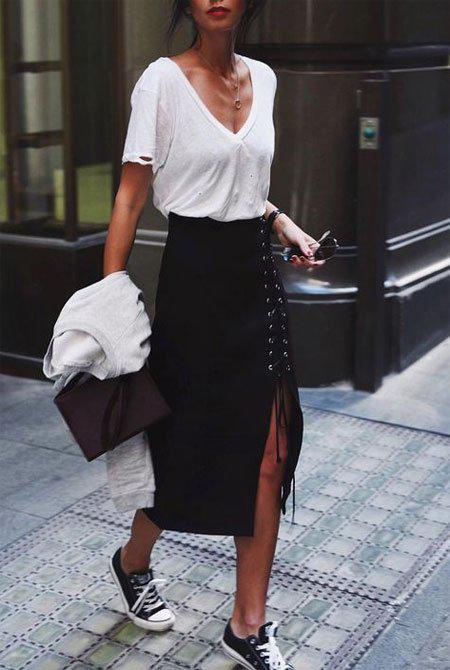 10 стильных образов с черной юбкой