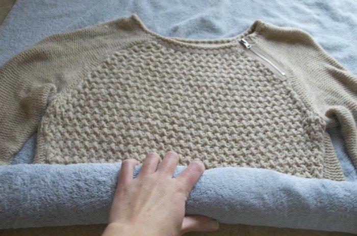 Возвращаем севшему свитеру былые формы