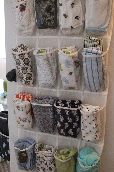 Как правильно складывать вещи и белье в шкафу, чтобы они занимали меньше места   11