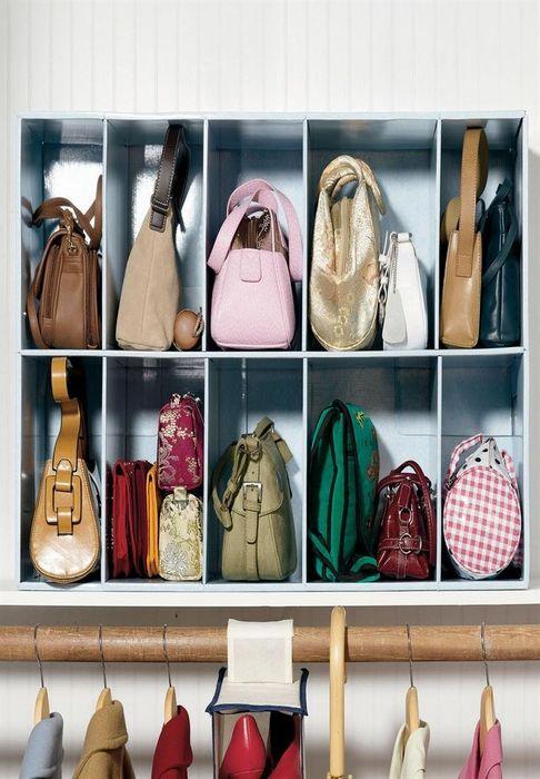 Как правильно складывать вещи и белье в шкафу, чтобы они занимали меньше места   14