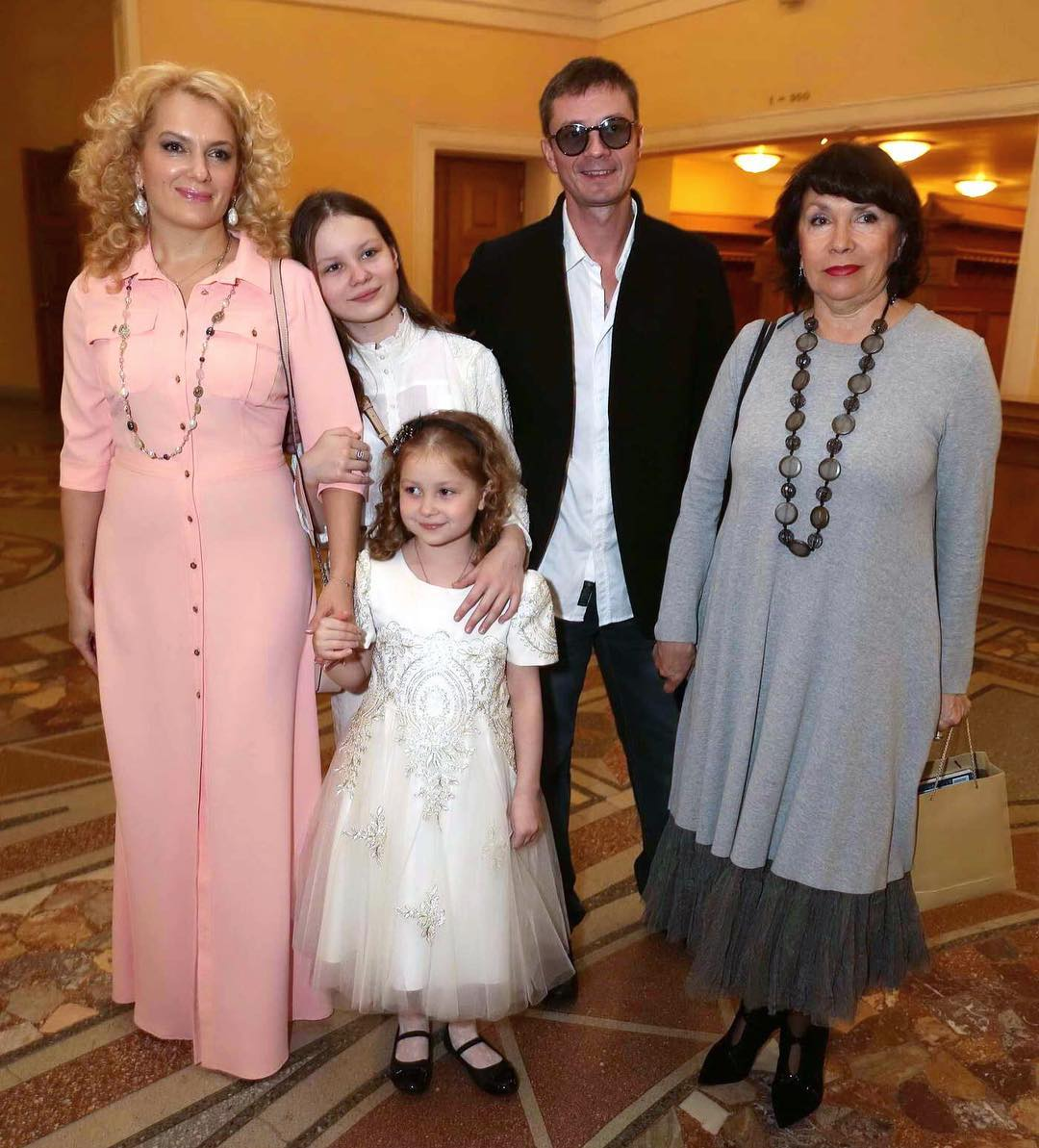 Многодетная мамочка Мария Порошина показала фото в купальнике | 15