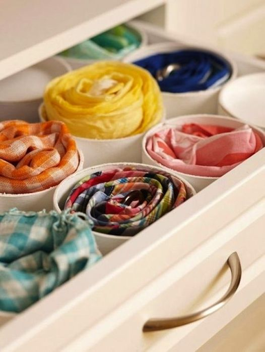 Как правильно складывать вещи и белье в шкафу, чтобы они занимали меньше места   16