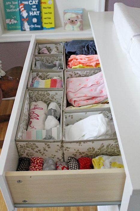 Как правильно складывать вещи и белье в шкафу, чтобы они занимали меньше места   17