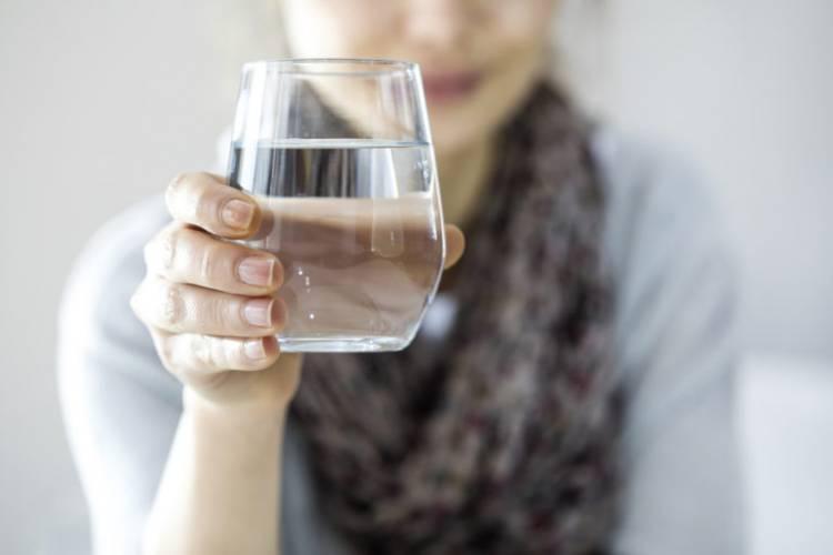 10 признаков того, что вы пьёте мало воды