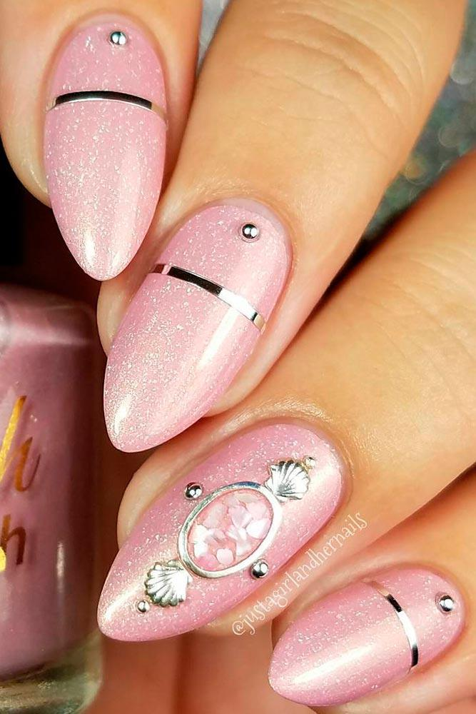 36 вариантов стильного маникюра в модном розовом цвете «Дитя заката»