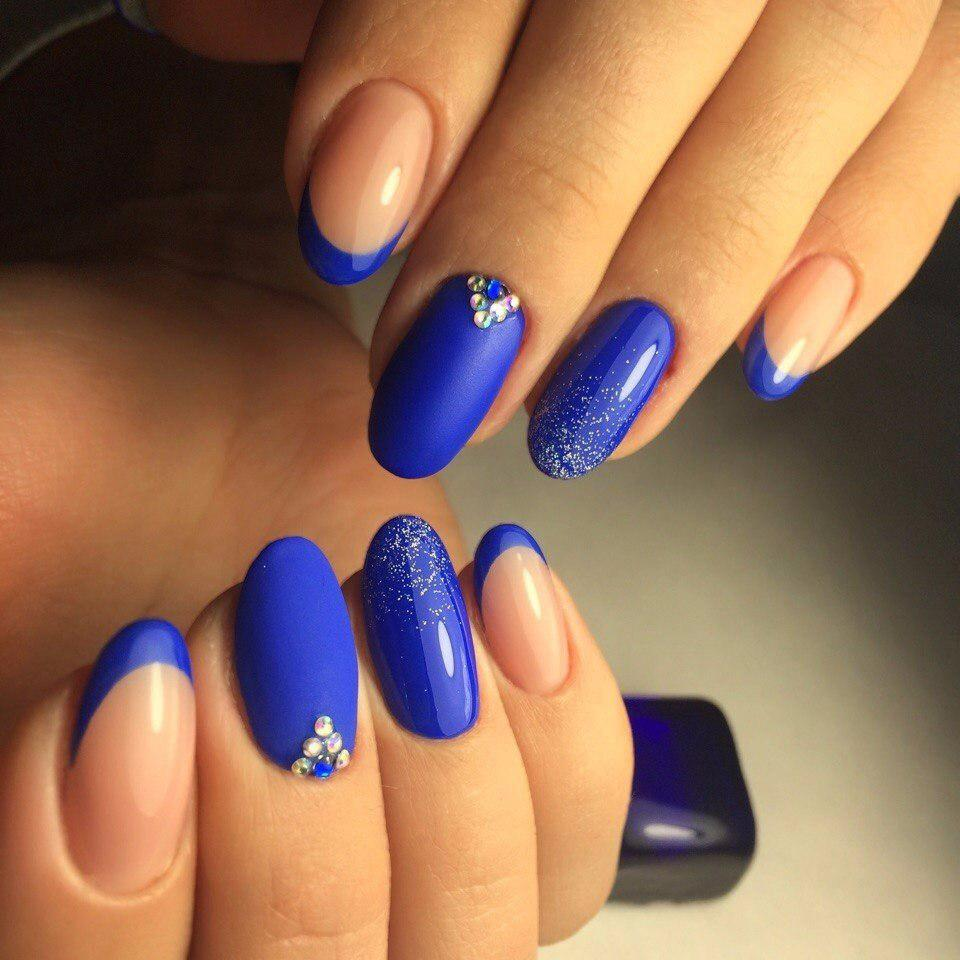 https://fashionhot.ru/wp-content/uploads/2017/09/Blue-manicure-1-1.jpg