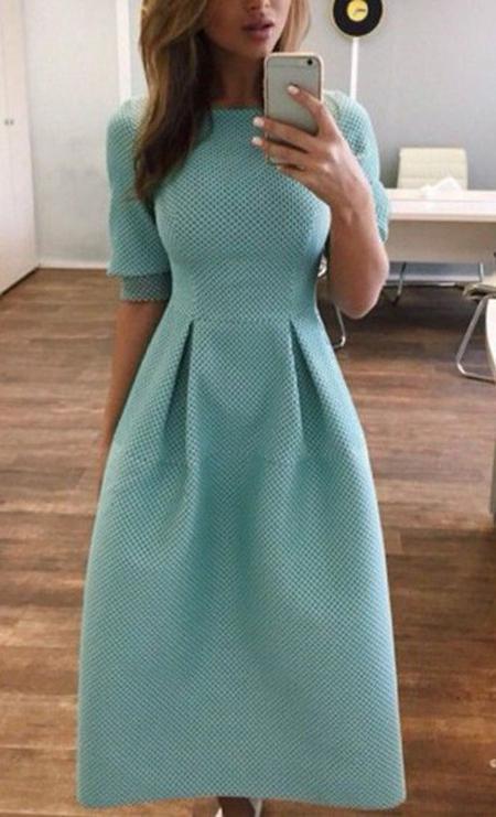 9 стильных и модных платьев-миди 2018