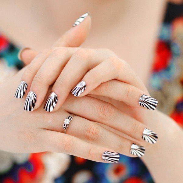 Тренды маникюра: ногти-металлик   4