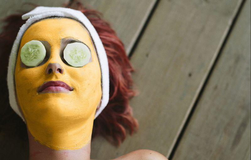 Маска для лица из куркумы с медом: лучший друг вашей кожи!