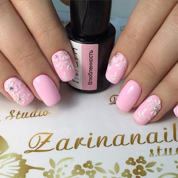 Нежность в отличных идеях для маникюра в розовых тонах