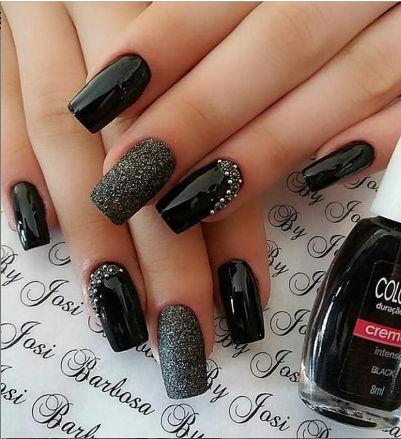 Черный маникюр на короткие ногти. 50+ элегантных идей | 26