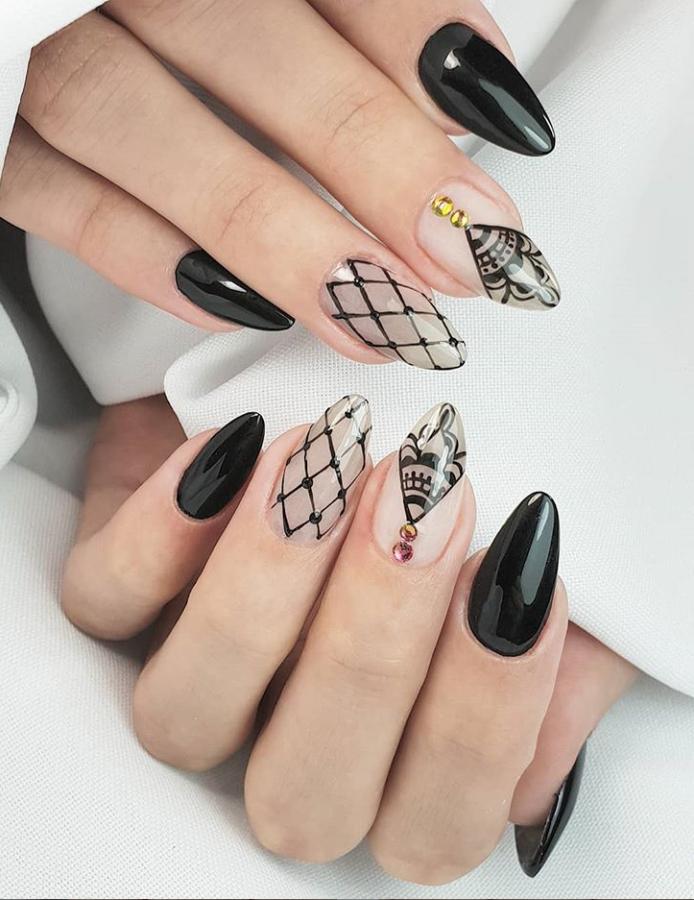 Черный маникюр на короткие ногти. 50+ элегантных идей | 37