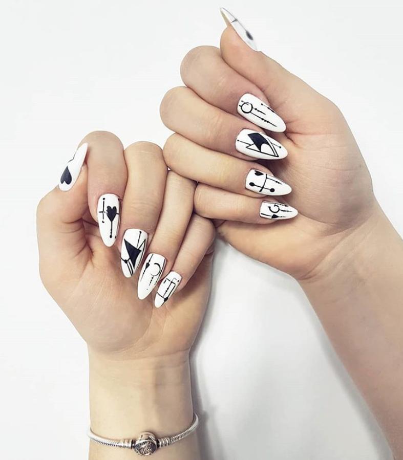 Черный маникюр на короткие ногти. 50+ элегантных идей | 42
