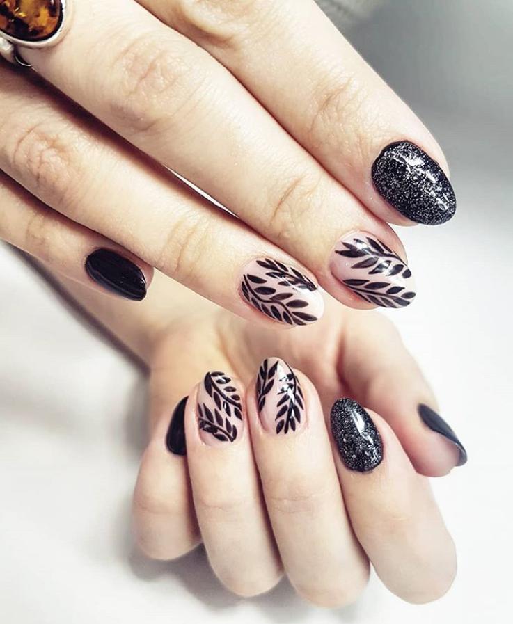 Черный маникюр на короткие ногти. 50+ элегантных идей | 45