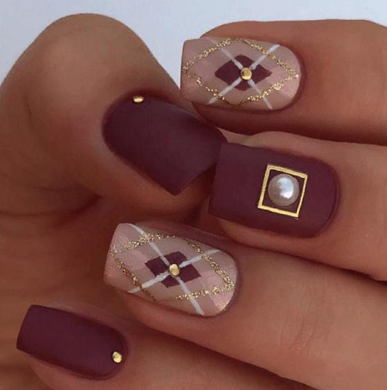 38 идей матового маникюра на короткие квадратные ногти 24