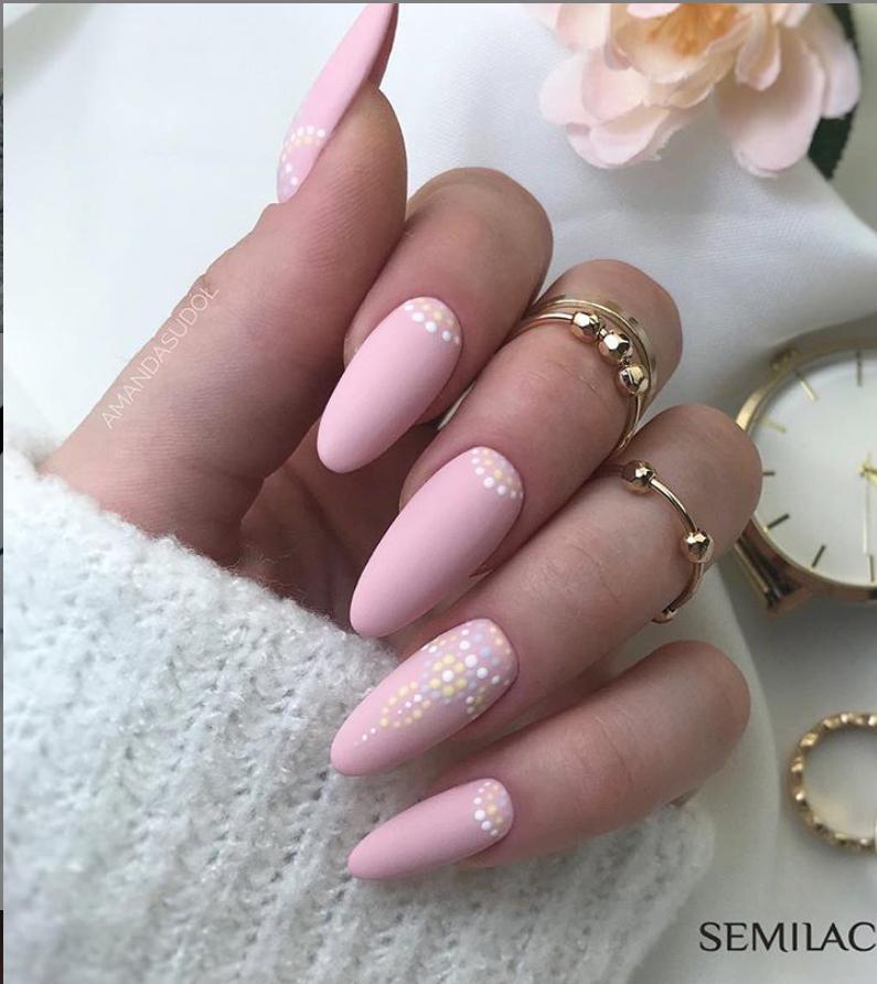 Модные идеи дизайна на овальные ногти | 26