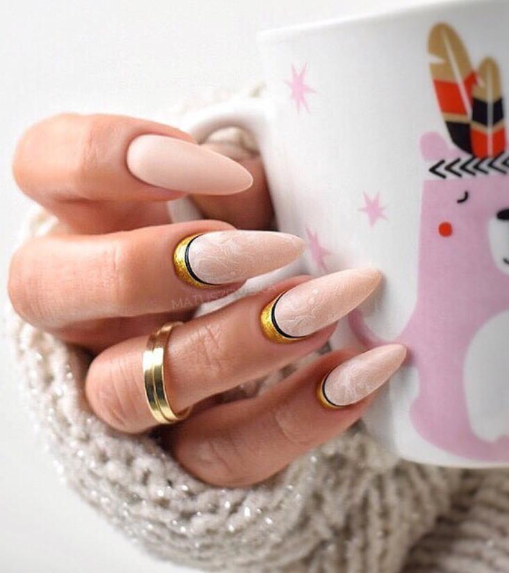 Модные идеи дизайна на овальные ногти | 30