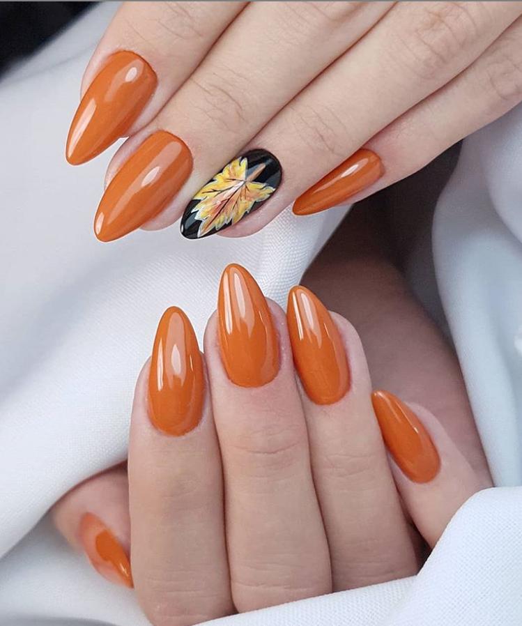 Модные идеи дизайна на овальные ногти | 32