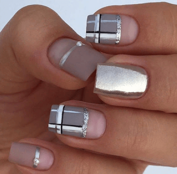 38 идей матового маникюра на короткие квадратные ногти 33