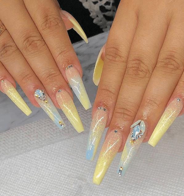 Невероятно красивые идеи летнего маникюра 2019 на ногти-пуанты | 10