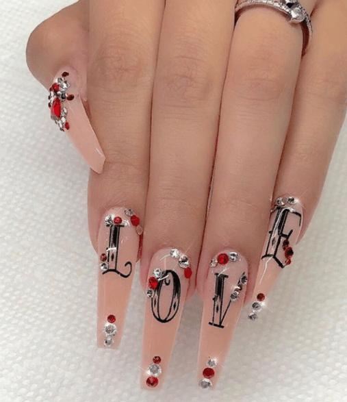 Невероятно красивые идеи летнего маникюра 2019 на ногти-пуанты | 17