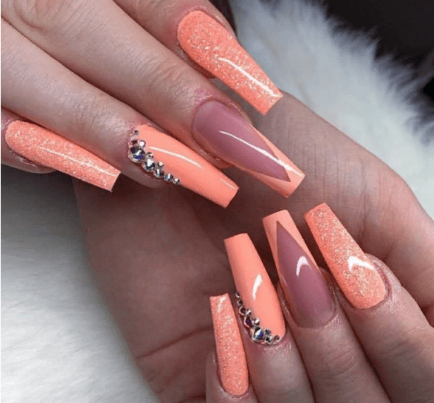 Невероятно красивые идеи летнего маникюра 2019 на ногти-пуанты | 19