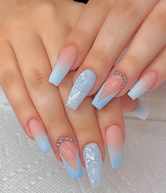 Невероятно красивые идеи летнего маникюра 2019 на ногти-пуанты | 23