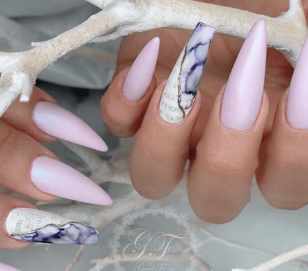 Невероятно красивые идеи летнего маникюра 2019 на ногти-пуанты | 33