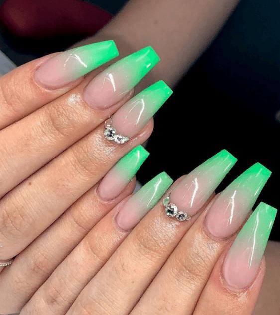 Невероятно красивые идеи летнего маникюра 2019 на ногти-пуанты | 4