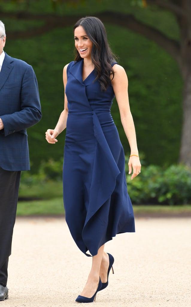 Почему Меган Маркл во время беременности предпочитала синий цвет? image1