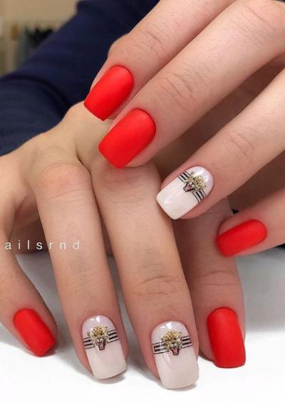 Летний дизайн маникюра на короткие квадратные ногти - image18