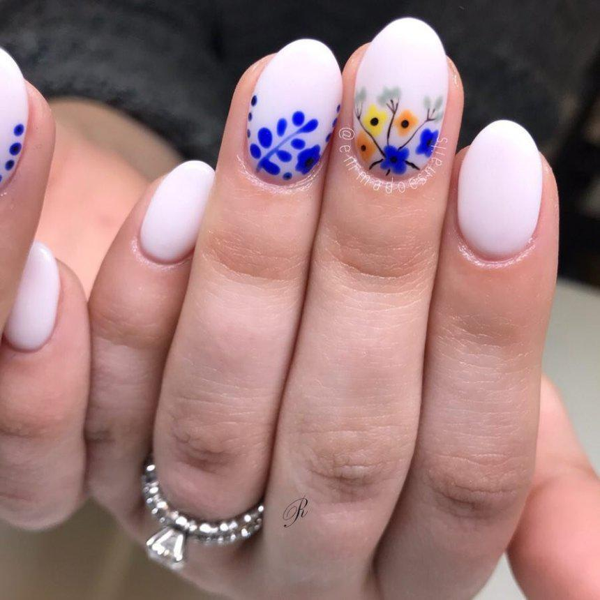 50 идей маникюра с цветами на весну 2019 | 20